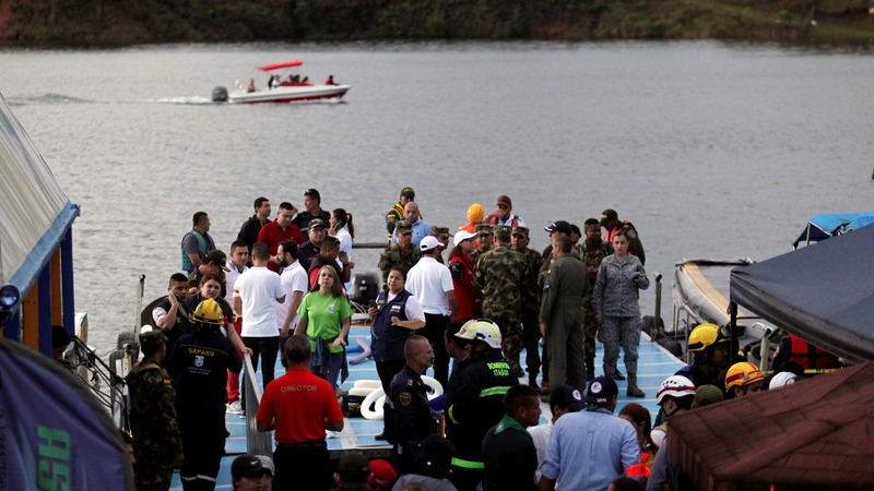 Search for missing continues  after Colombia tourist boat sinks