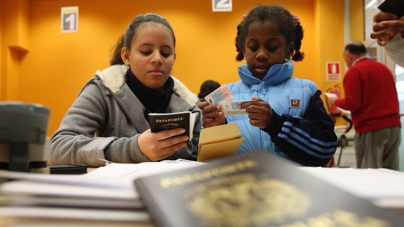 U.S. travel ban taking effect, barring many relatives