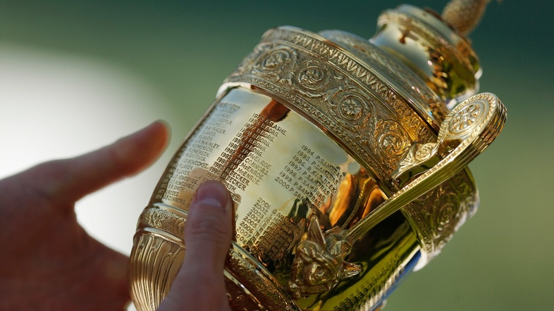 Wimbledon title open as big players struggle