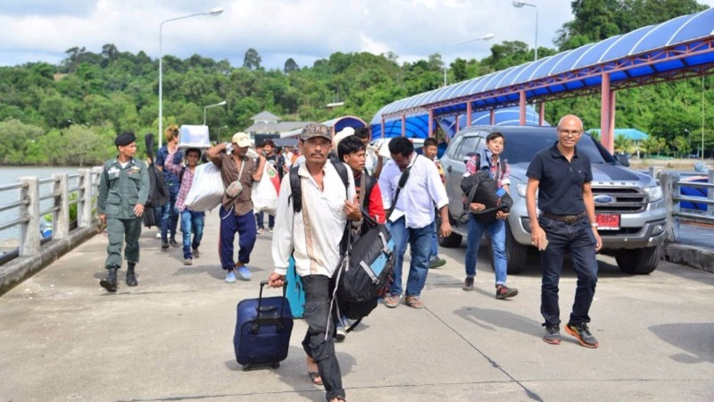 Thailand pushes back new law after migrants flee