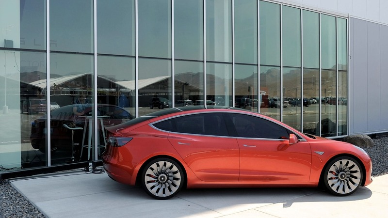 Tesla Model 3 rollout eclipsed by stock tumult