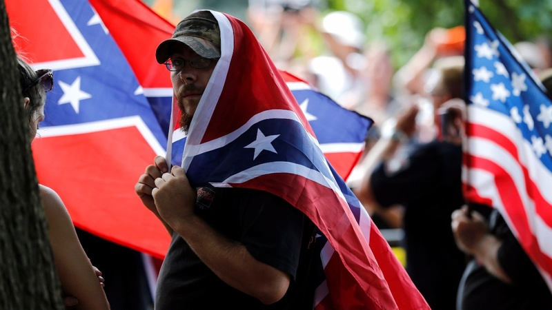 Klan members rally against removal of General Lee statue in Virginia