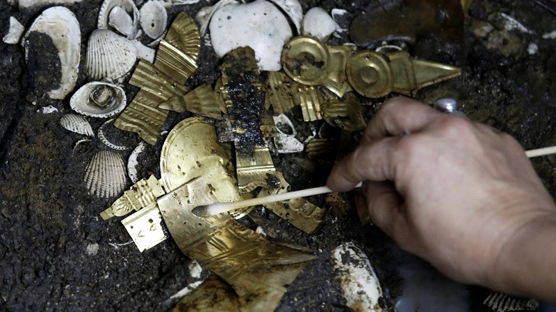 Golden Aztec artifacts discovery yield rich trove