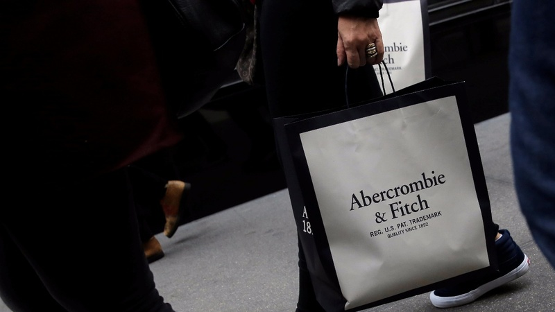 Abercombie & Fitch plunges after pulling sale