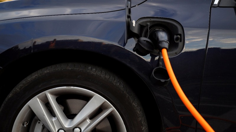 Will electric cars spell doom for big oil?