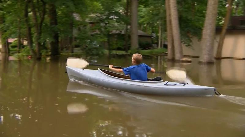 Rising rivers threaten U.S. Midwest