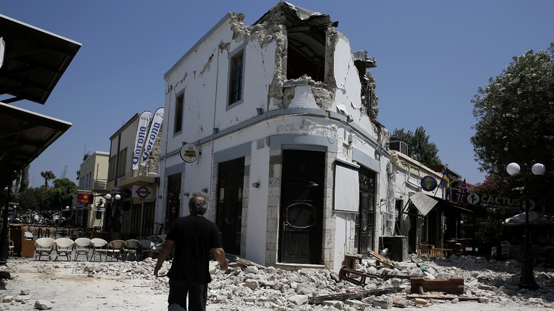 Deadly quake strikes parts of Turkey and Greece