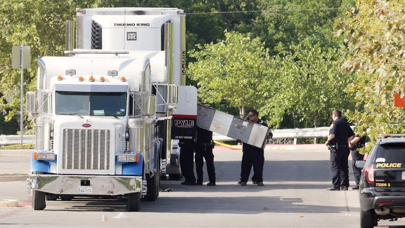 Eight found dead in Texas truck, human trafficking alleged
