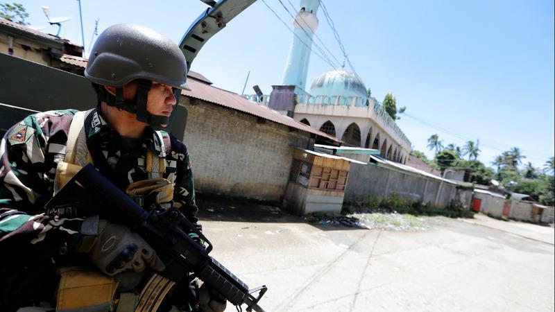 Philippines militant crisis enters its third month
