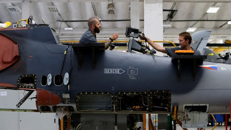 Airplane maker leads Czech arms industry revival