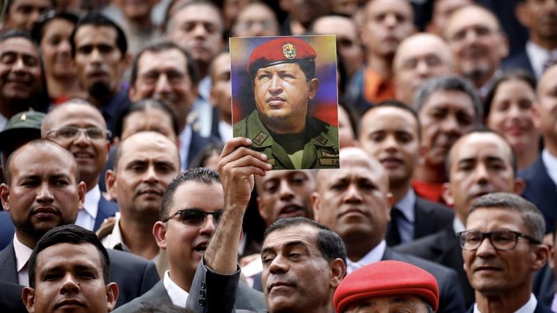 Venezuela's new legislative superbody sworn in