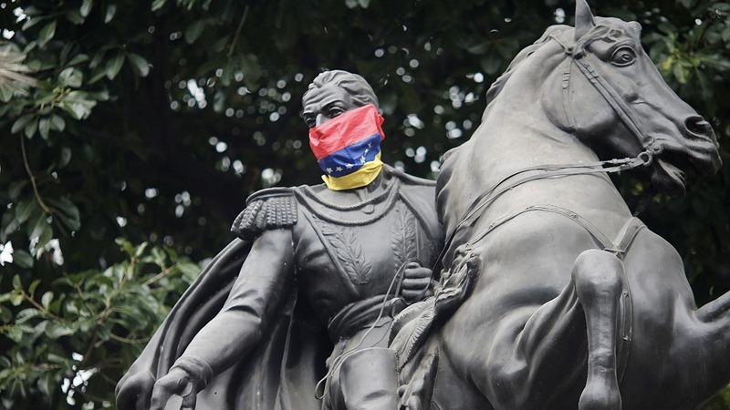 U.S. hits Venezuela with new sanctions