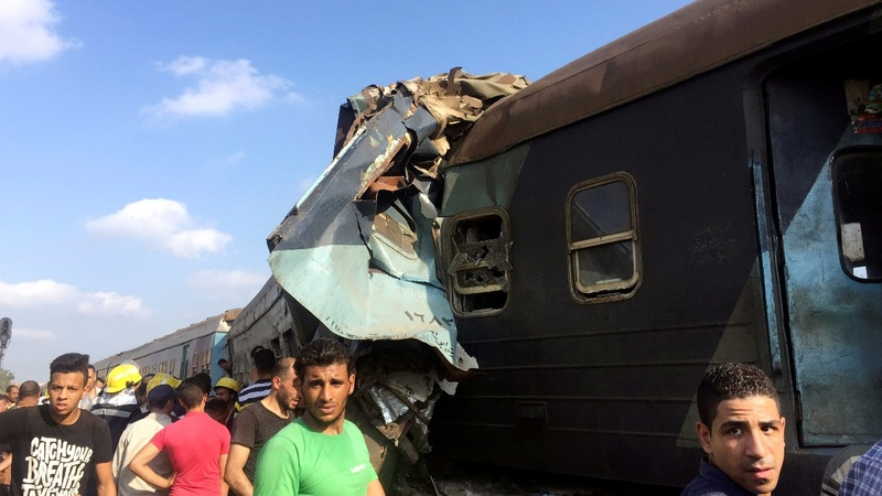 Dozens killed in Alexandria train crash