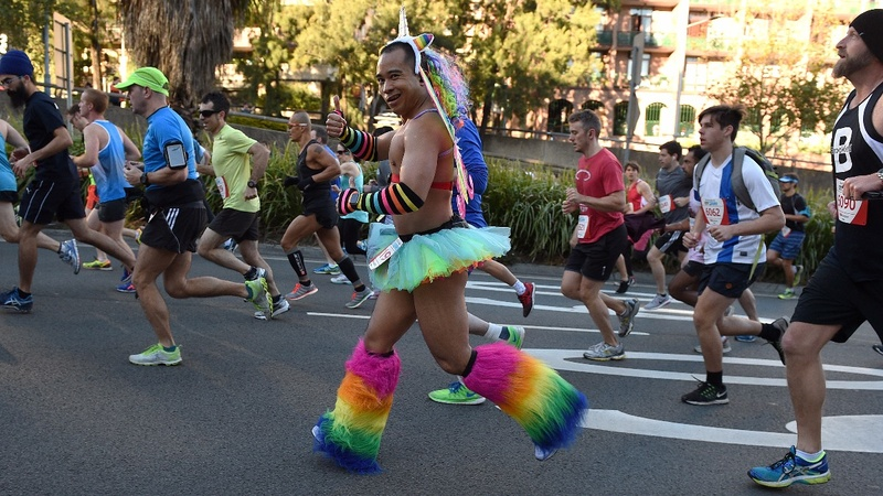 INSIGHT: Thousands hit the streets of Sydney for a fun run
