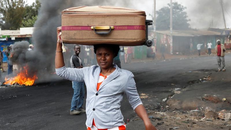 Wary Kenya: back to work after election violence