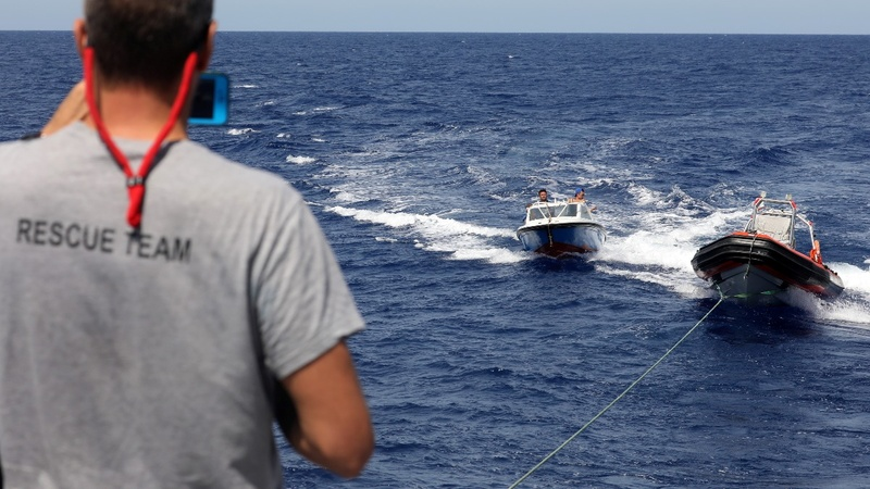Migrant rescue operations halt after Libya 'threat'