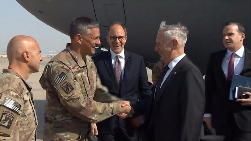 U.S. defense chief makes surprise Iraq visit