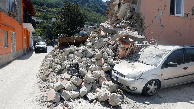 Three brothers pulled from Italian quake rubble