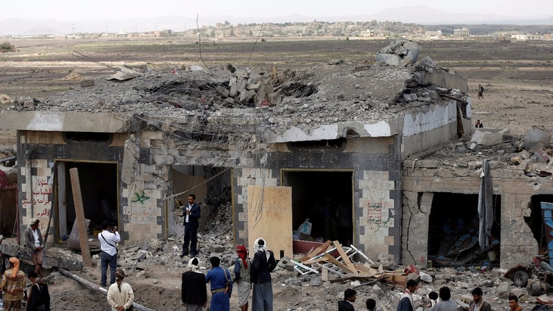 At least 35 dead in strike on Yemen checkpoint