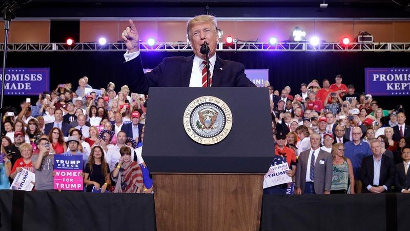 Trump's shutdown talk spooks Washington, Wall St.