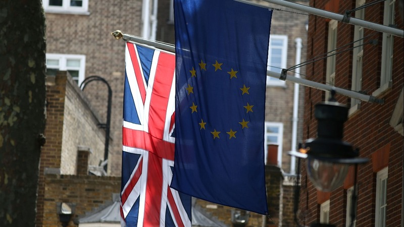 Divisions bubble up as Brexit talks resume