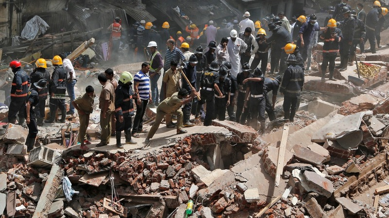 At least 21 killed as old Mumbai building collapses