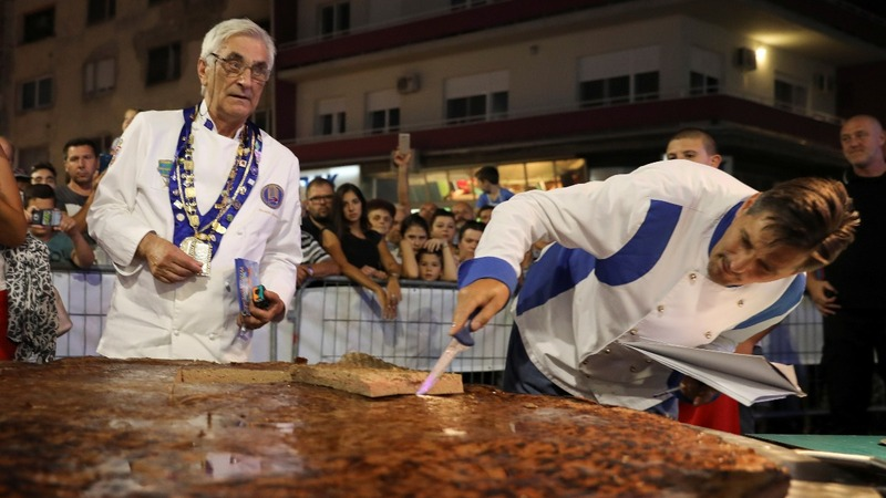 INSIGHT: Serbia's 'grill fest' creates 65kg burger
