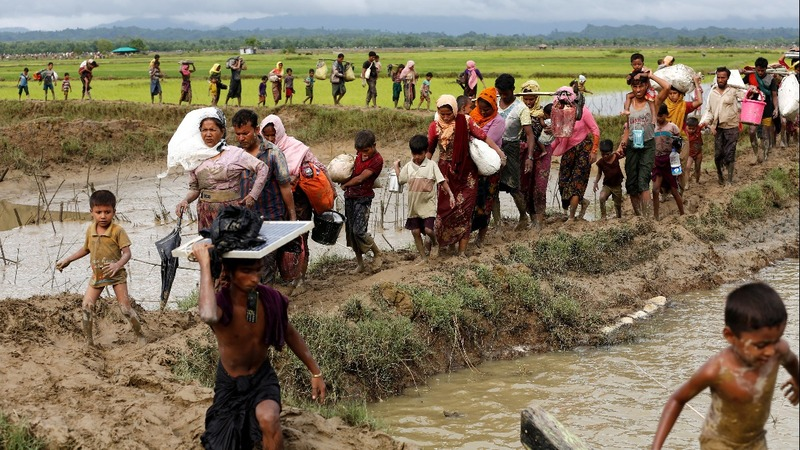 Growing pressure on Suu Kyi as Myanmar violence swells