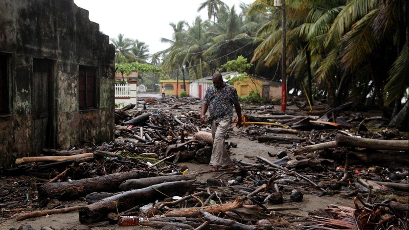 Caribbean decimated, Floridians flee as Irma approaches