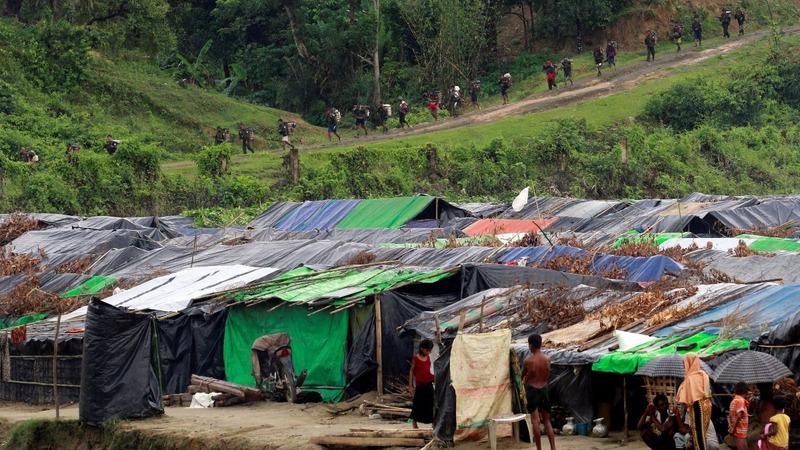 Landmines and guards trap Rohingya in 'no-man's land'