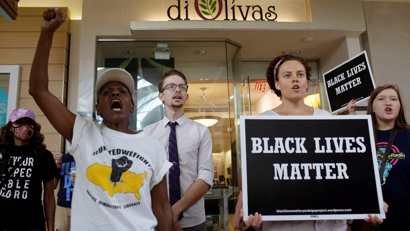 St. Louis protesters take aim at local mall
