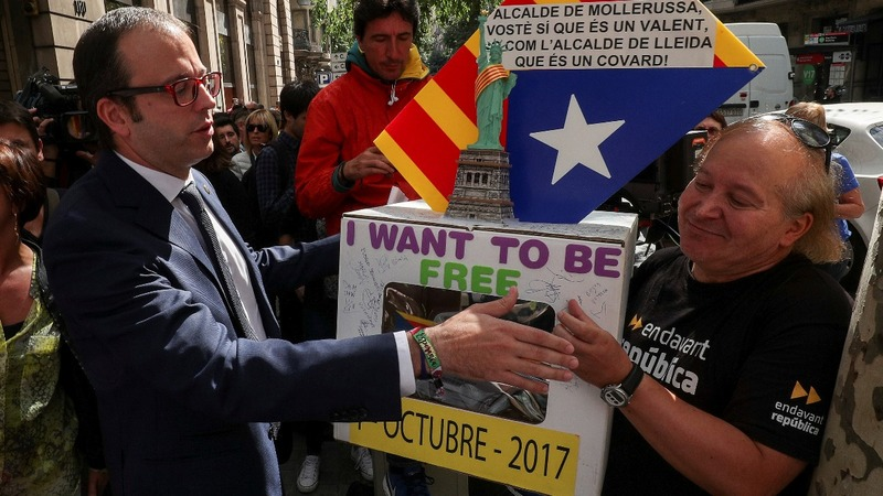 Catalan mayors at war with Spain over independence