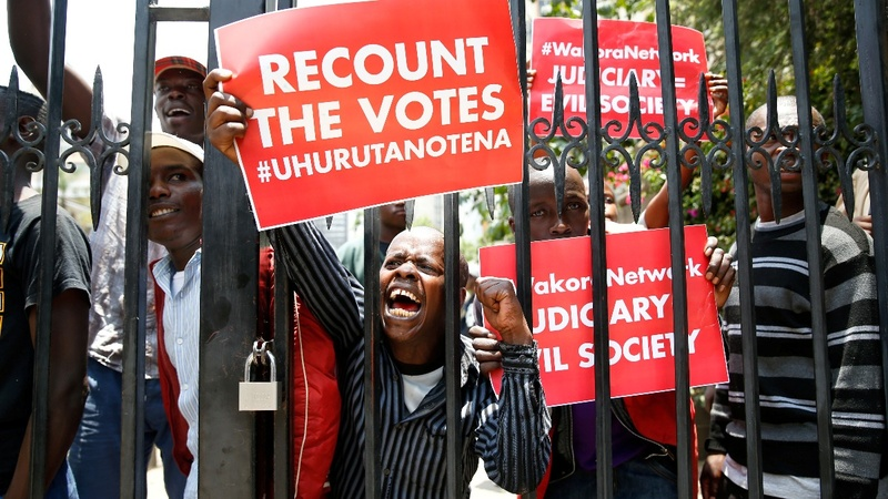 Scuffles as Kenya court criticizes election board 'failure'