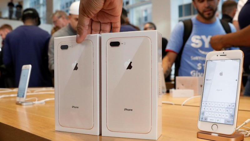 Fans line up for Apple Watch, but wait for iPhone X