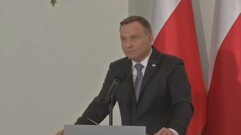 Polish president seeks more power over courts