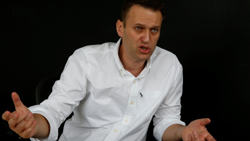 Prominent Putin critic Alexei Navalny arrested again
