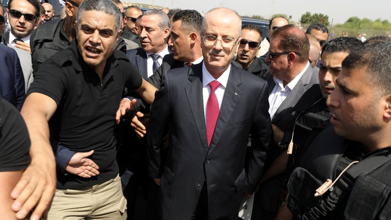 Palestinian PM visits Gaza to mend ties with Hamas