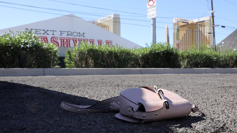 Las Vegas mourns as it looks for answers