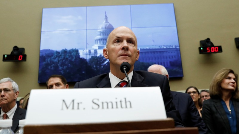Ex-Equifax CEO's apology fails to quiet lawmaker rage
