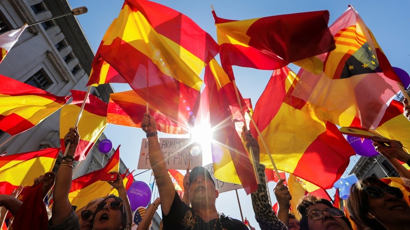 Thousands more protest against Catalan independence