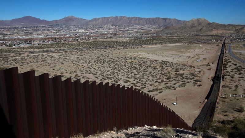 Trump demands border wall for 'Dreamer' deal