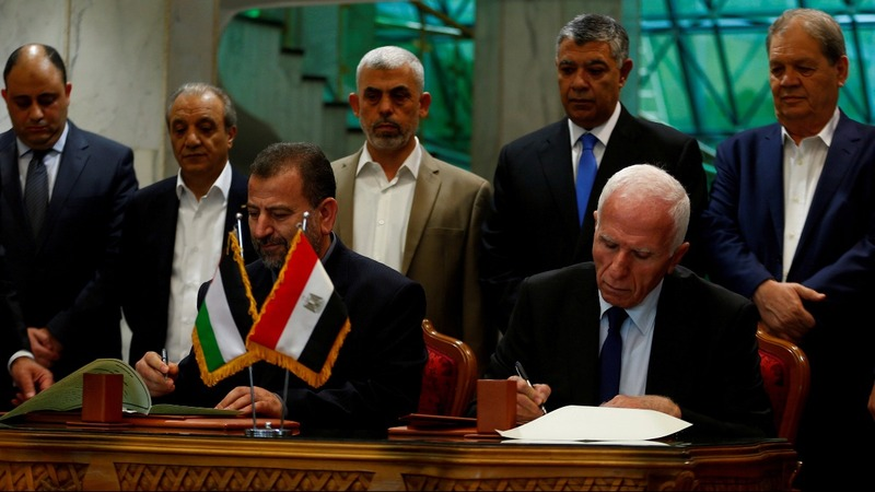 Palestinian rivals Fatah, Hamas sign reconciliation accord