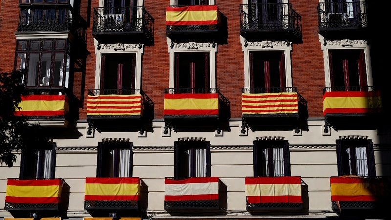 Madrid moves towards direct rule of Catalonia