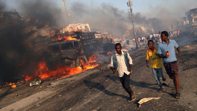 Hundreds dead in Somalia bomb attack