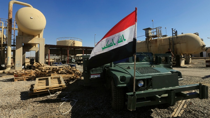 Kurds flee in the face of Iraq government advance