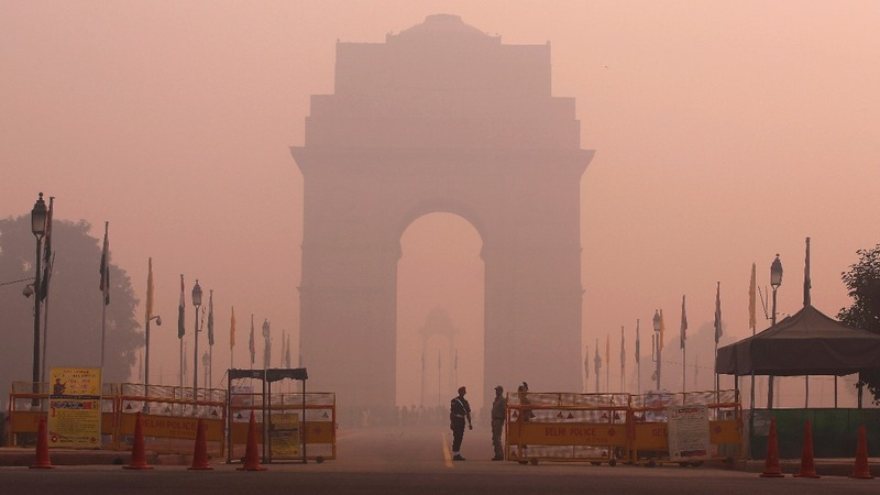 India cracks down on air pollution as Diwali begins