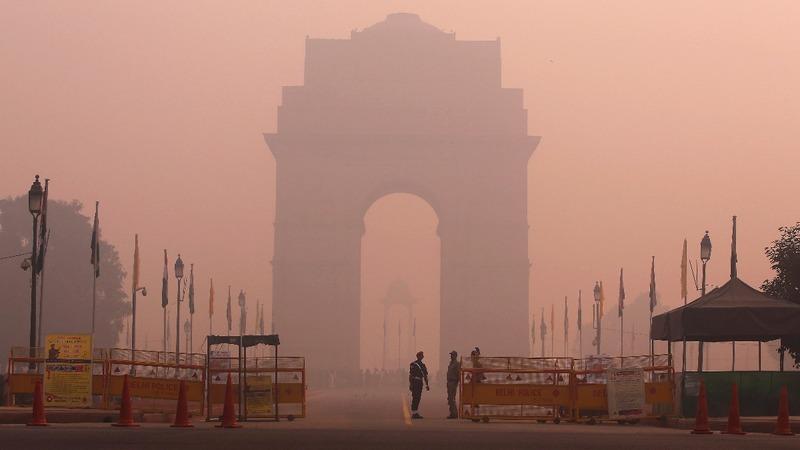 India cracks down on air pollution as Diwali begins