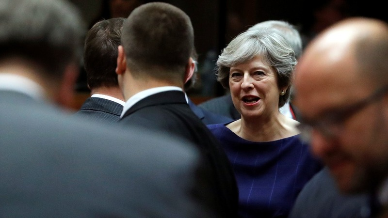 UK PM gives Brexit dinner pitch at EU summit