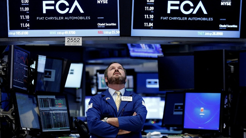 Dow soars on big earnings from 3M, Caterpillar and GM