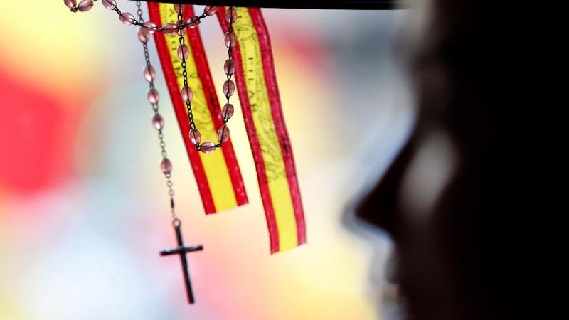 Sacked Catalan president stays put
